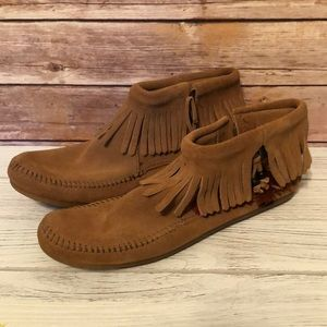 NEW Minnetonka Concho Suede  Ankle Boots Sz 10